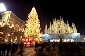 Arredo Urbano Natalizio.Natale Albero Piazza Duomo Milano Diventera Arredo Urbano